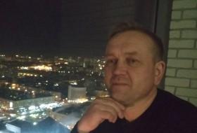 Dmitriy, 46 - Just Me