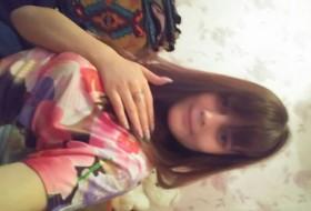 sonya, 21 - Just Me
