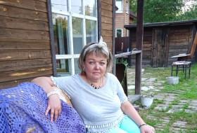 larisa, 48 - Just Me