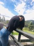 Victoria, 19, Quito