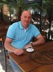 Williams Scott, 55  , Amsterdam