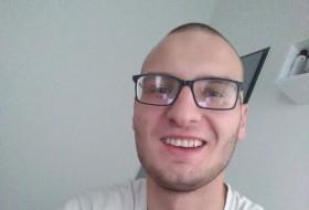 Patryk , 19 - Just Me