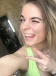 Anastasiya, 21, Saint Petersburg