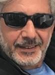 kinnik, 53  , Berlin