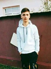 Ionut, 18, Romania, Bucharest