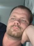 Travis, 32  , Burnsville