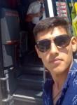 Mehmet, 19  , Istanbul