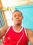 Moumoune , 18, Abidjan
