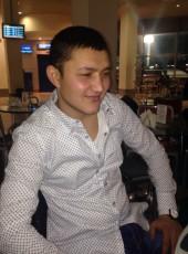 zhakhongir, 18, Ukraine, Kiev