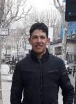 Lazher, 23  , Salon-de-Provence