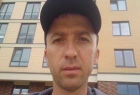 Artur, 37 - Just Me