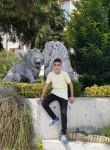 Yunus, 18  , Istanbul