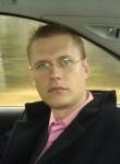 Sasha Skvirtolog, 40, Kiev
