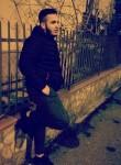Giuseppe, 19  , Cassano Allo Ionio