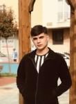 Berkay, 18, Istanbul