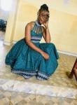 Lathifa, 19  , Yaounde