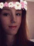 chloe Noble, 19  , St Austell