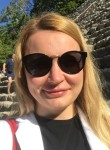 Anne, 36  , London