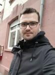 Gray, 25, Mannheim