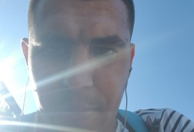 Stanislav, 31 - Just Me