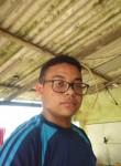 Lucas , 18  , Braganca