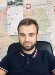 Dmitriy, 26  , Angouleme