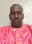papecisse, 44  , Dakar