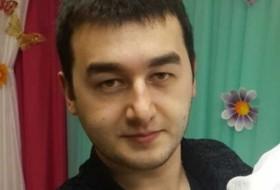 Rashid , 30 - Just Me