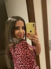 Amira, 18, France, Vigneux-sur-Seine