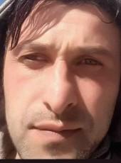 Arif, 18, Turkey, Gebze