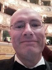 Cyril, 51, France, Nantes