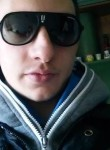 Adolfo, 24  , Capua