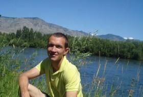 Zhenya, 34 - Just Me