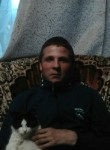 Aleksandr, 22  , Parfino