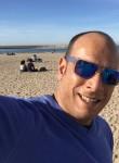 mathis, 42  , Creteil