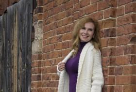 Larisa, 39 - Just Me