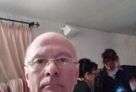 Vladimir, 50 - Just Me