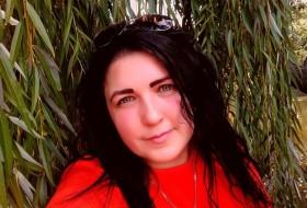Veronika, 34 - Just Me