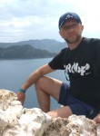 Aleksandr, 38  , Mariupol