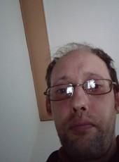 Fabio, 39, Italy, Maranello