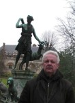 volodymyr, 65  , Paris