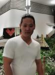 Fan, 38  , Singapore