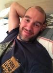 Santi, 35, Paris