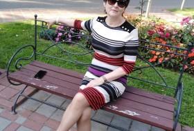 Nina, 52 - Just Me