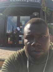 hissan mht, 31, France, Neuilly-sur-Marne