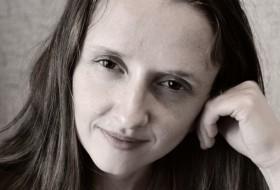 Elena , 39 - Just Me