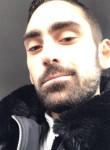 William, 22  , Paris