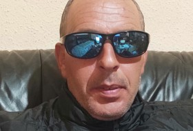 Gruio, 40 - Just Me