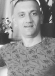 Mandi, 31  , Tirana