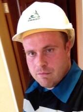 Aleksandr, 36, Russia, Gubkinskiy
